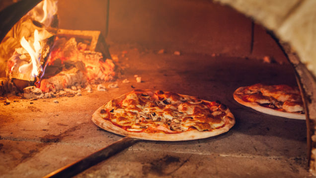 Why You Should Order Your Pizza 'Uncut'